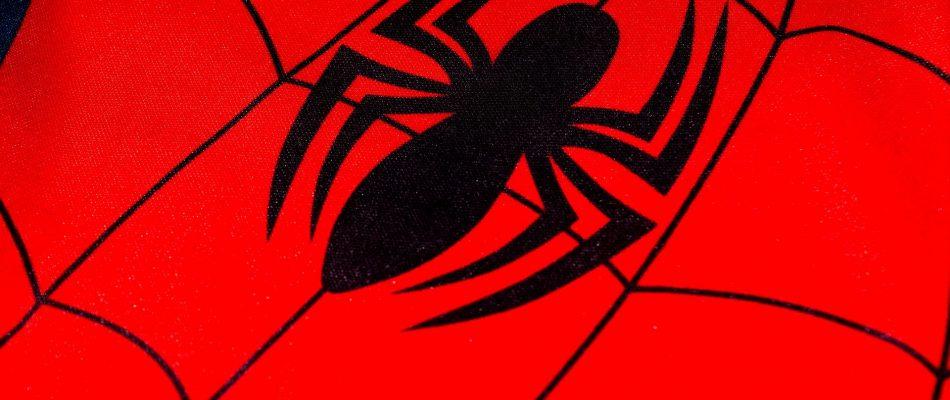 ספיידרמן, סימן עכביש על רקע אדום